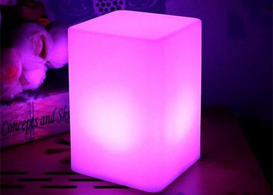Rechargeable battery color changing cordless remote control indoor cordless led table lamp